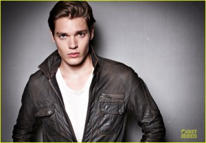 introducing-vampire-academy-dominic-sherwood-exclusive-02